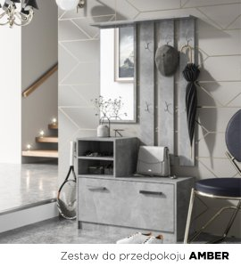 Zestaw do przedpokoju z wieszakiem stojącym w białym, minimalistycznym pomieszczeniu.. Nowoczesna szafka na buty z siedziskiem.