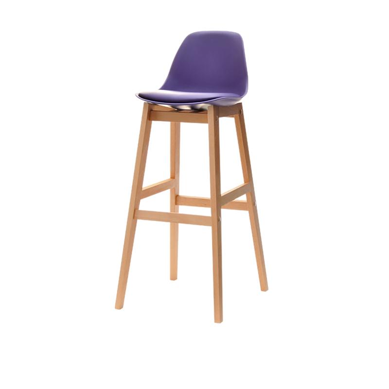 Hoker Sadatoni fiolet - buk na drewnianej podstawie