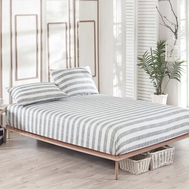 Prześcieradło Destroyed Stripes 160x200 cm z dwiema poszewkami na poduszki 50x70 cm szaro-białe