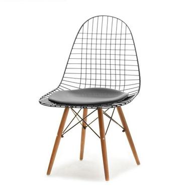 Krzesło MPC wire wood czarne na orzechowej podstawie