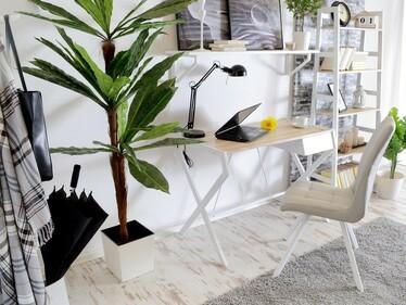 Biurko Naytha białe - dąb sonoma z szufladą w minimalistycznym stylu