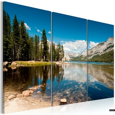 Obraz - Góry, drzewa i krystalicznie czyste jezioro 120x80 cm