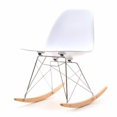 Krzesło bujane MPC roc białe na stalowych nogach z drewnianymi płozami