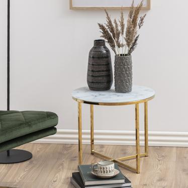 Stolik kawowy Bakar o średnicy 50 cm ze złotą chromowaną podstawą