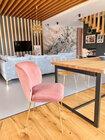 Zestaw dwóch krzeseł tapicerowanych Alruba różowe na złotych nogach