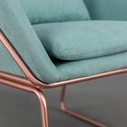 Fotel Tale kubełkowy miętowy na podstawie w kolorze różowego złota